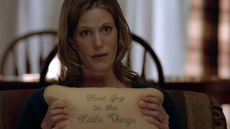 1x05_-_The_talking_pillow