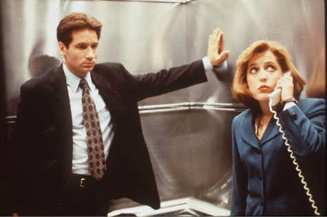 Mulder_Scully_Elevator_Ghost_in_the_Machine