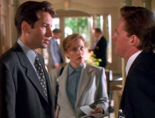 Tom_Colton_confronts_Fox_Mulder